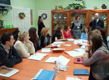 Особое внимание было отведено деятельности Клуба немецкой молодежи «Диамант», работе ССМП, изучению немецкого языка.