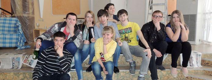 Члены КНМ «Диамант» и участники проекта «Социальный театр»