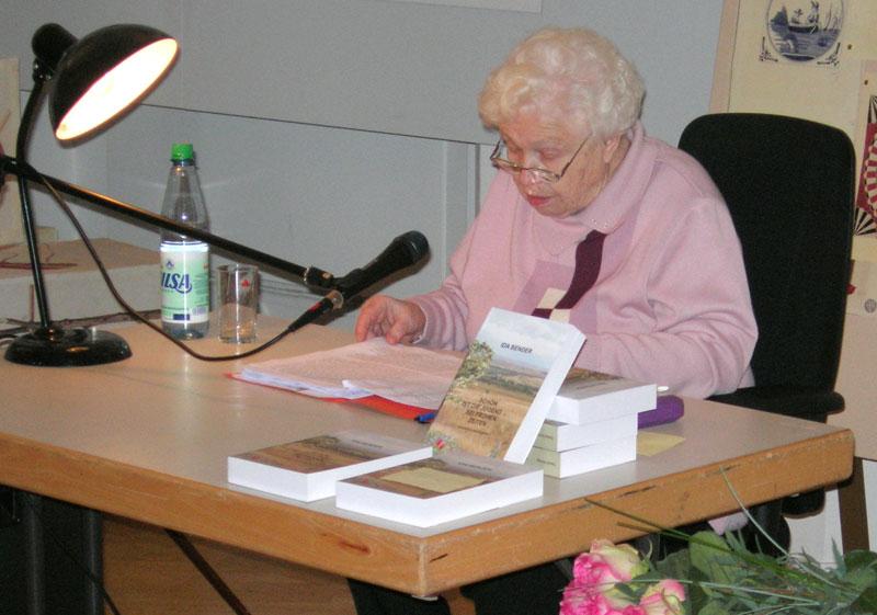 Ида Бендер на презентации книги «Сага о немцах моих российских»