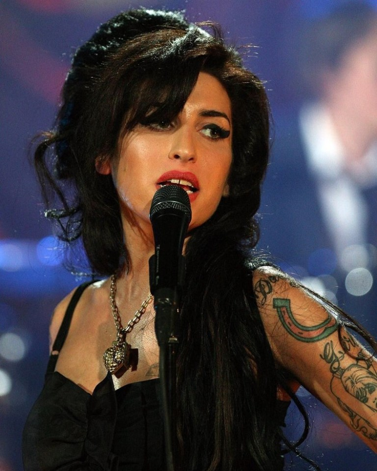 Amy winehouse hologram tour