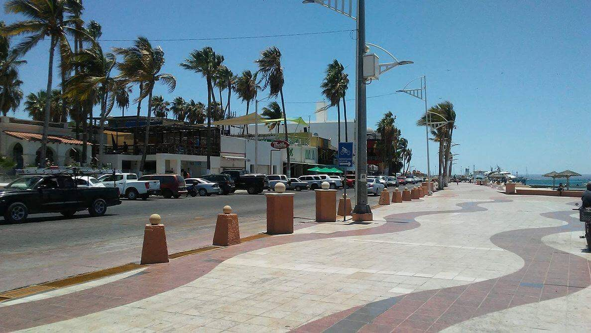 The malecón in La Paz