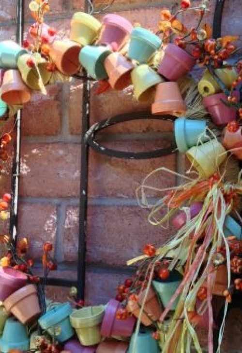 Outdoor Fall Door Wreath Roundup | DazzleWhileFrazzled.com