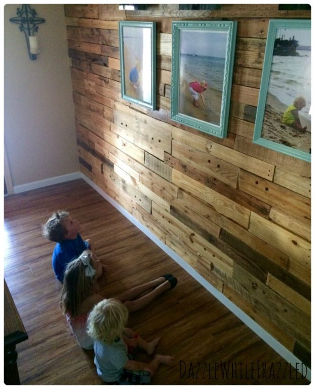 How to decorate a wood pallet wall