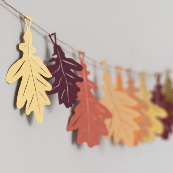 Oak leaf autumn garland for fall home decor-Halloween-Thanskgiving