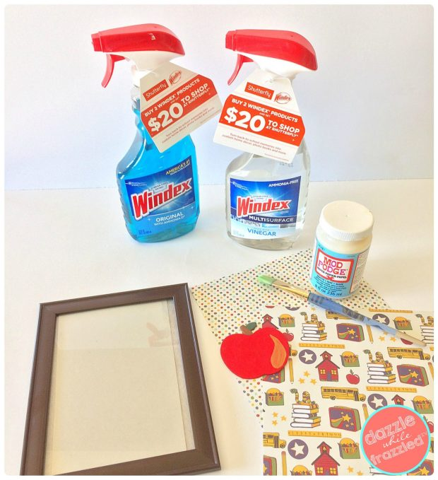 How to make a photo frame teacher gift. Handmade teacher gifts DIY | DazzleWhileFrazzled.com