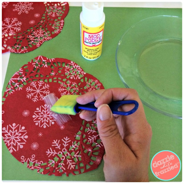 DIY 5-minute Christmas cookie plate using Dollar Tree supplies including glass plate, paper doily and Mod Podge | DazzleWhileFrazzled.com