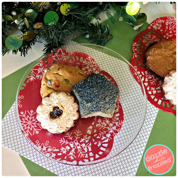 Give Christmas holiday cookies to friends and family with DIY 5-minute Christmas cookie plate with supplies from dollar store | DazzleWhileFrazzled.com