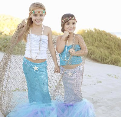 Mermaid tail Halloween costumes for girls | DazzleWhileFrazzled.com