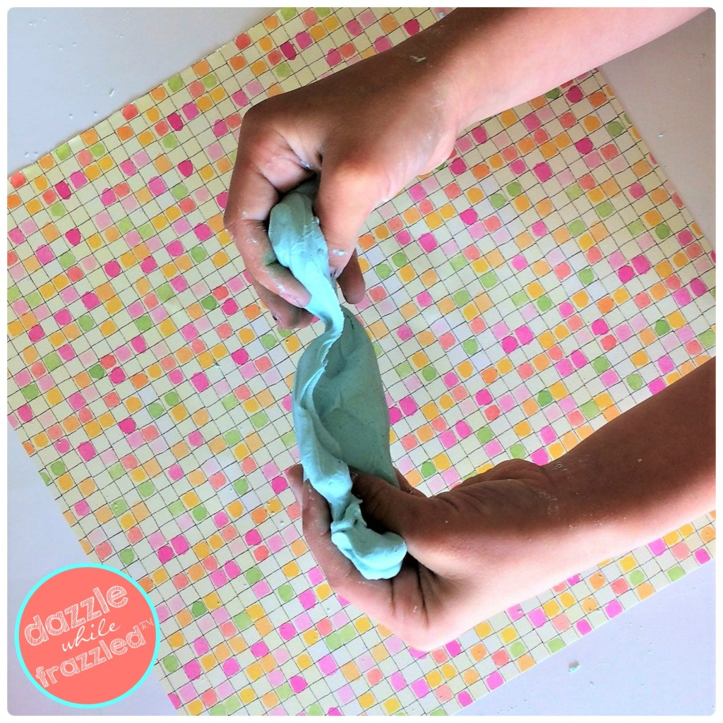 DIY no glue clay slime for kids to make DIY fluffy colorful slime
