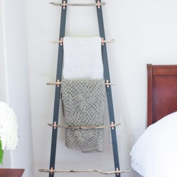 Use driftwood to make a beautiful blanket farmhouse ladder.