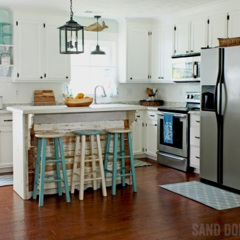 How to get a coastal farmhouse kitchen makeover with driftwood island.
