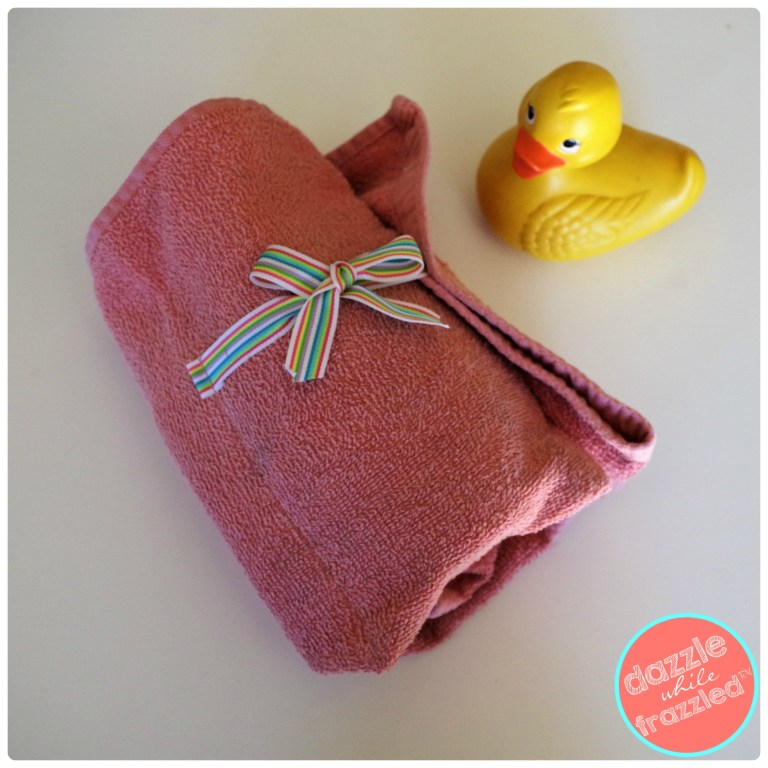 Hand towel DIY bath products and cosmetic travel organizer. Easy sew project to make for kids bathtime routine.