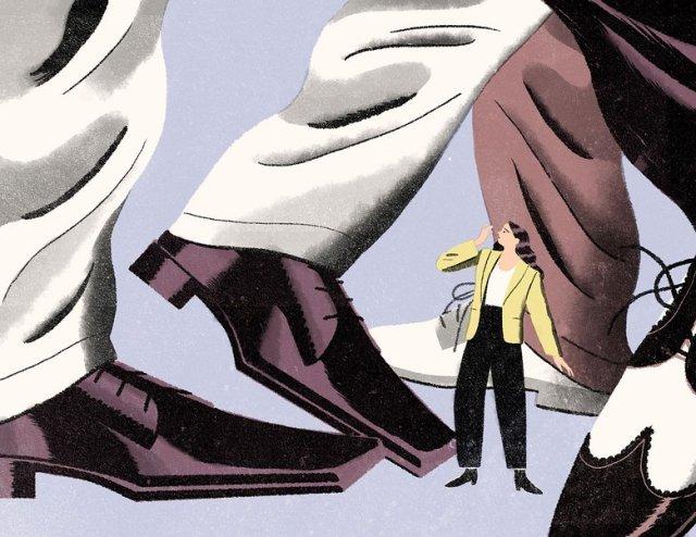 holding-square-toe-shoe