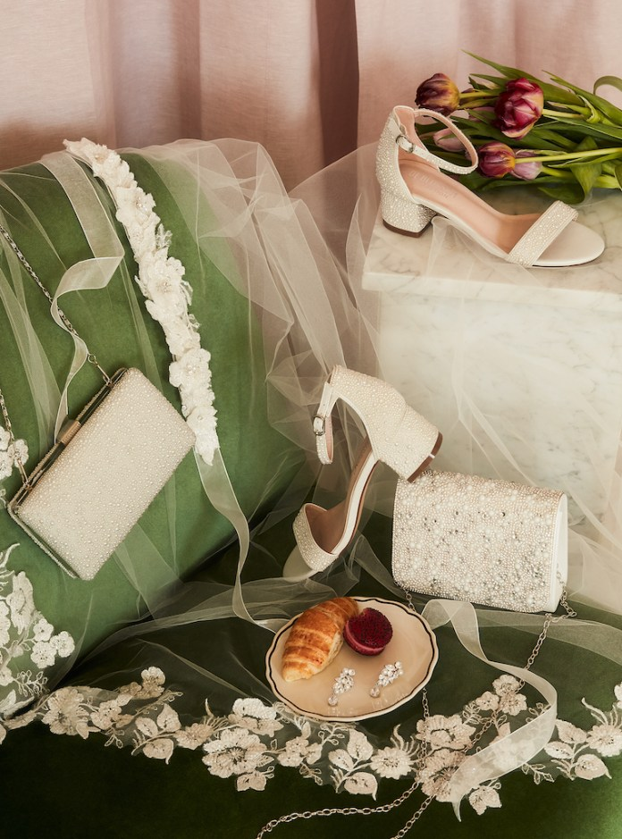Wedding accessories matched with pearls and crystals