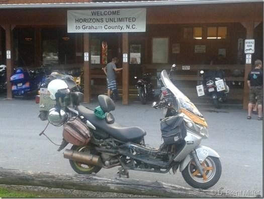 HU-NC-ADV-bike-2