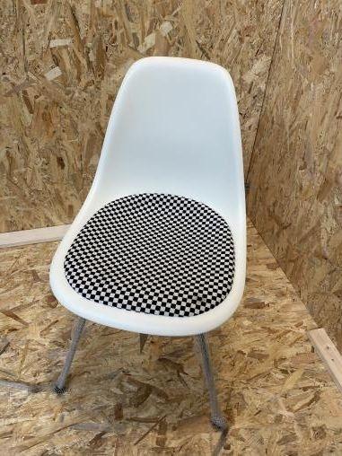 vitra eames plastic side chair dsx mit sitzpolster cream checker white