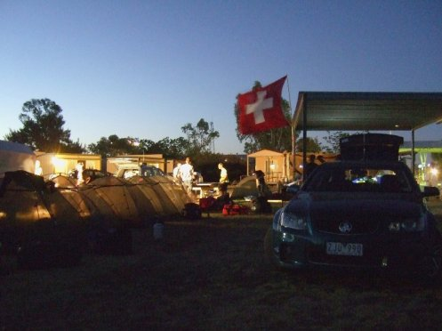 Campsite in Kulgera am Abend.