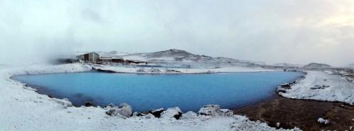 Ungelogen, das Wasser ist so blau. Und warm.