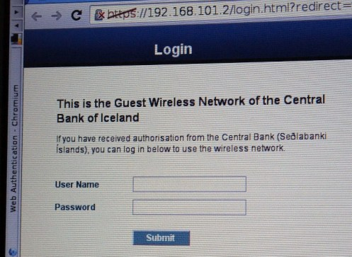 Erstmal aufm Parkplatz direkt im Netz der Nationalbank gewesen.