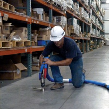 Warehouse floor lifting with PolyLevel®