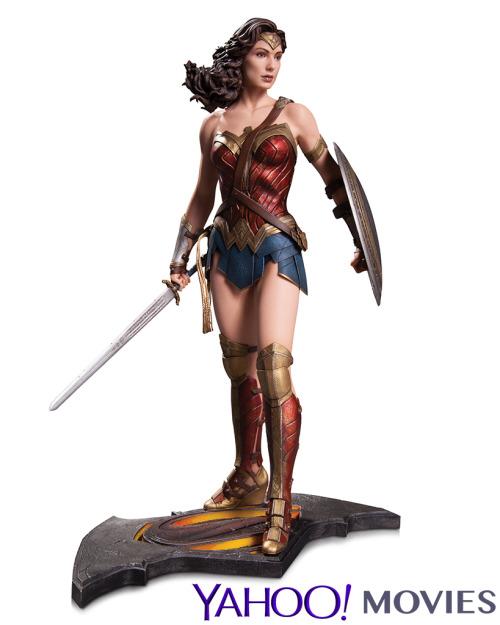 Wonder_Woman_Statue