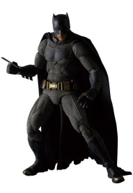 MAFEX-BvS-Batman-004