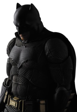 MAFEX-BvS-Batman-007