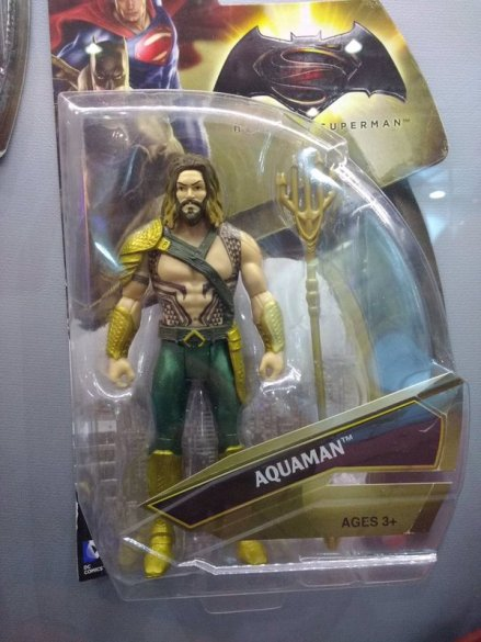 Aquaman_Action_Figure_02
