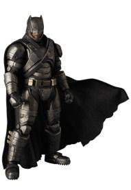 MAFEX_Armor_Batman_02