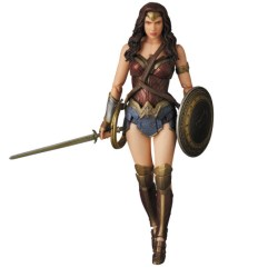 MAFEX_Wonder_Woman_05