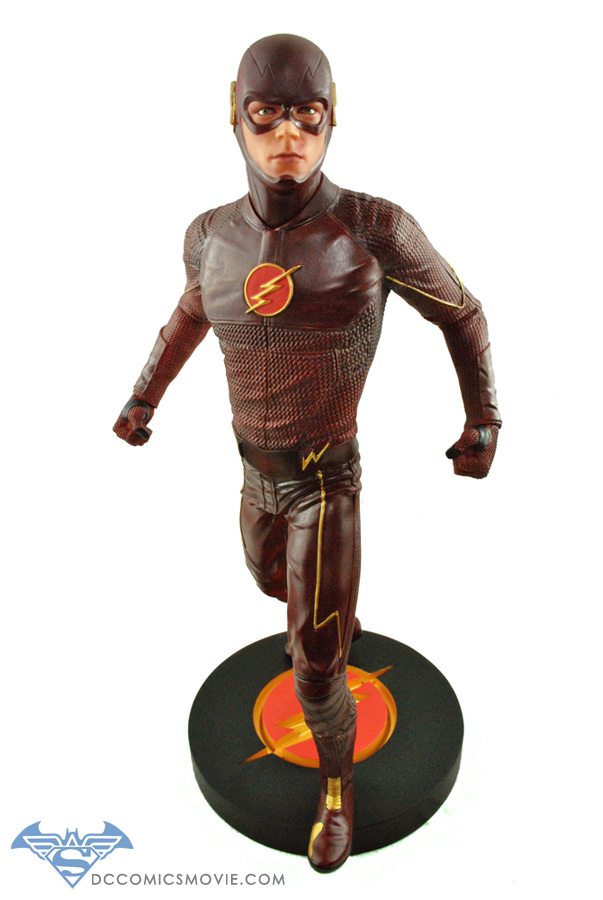 The_Flash_Statue_01