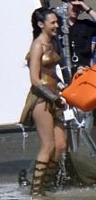 Wonder_Woman_Beach_02