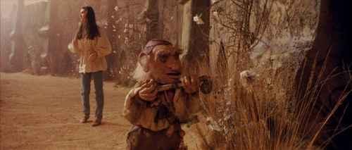 Hoggle y Sarah fuera del laberinto