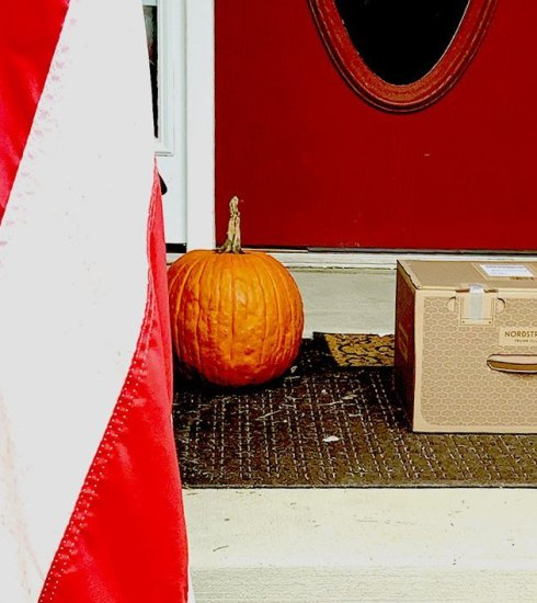 Flag Pumpkin Trunk