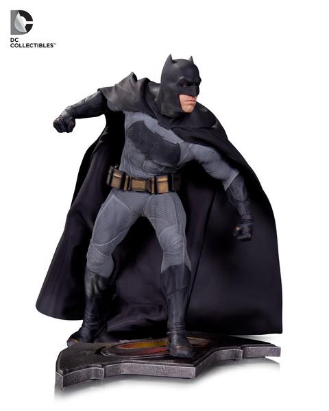 bvs-doj-batman-statue-143265