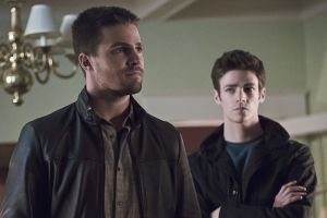 "Arrow -- ""Legends of Yesterday"" -- Image AR408A_0229b.jpg -- Pictured (L-R): Stephen Amell as Oliver Queen and Grant Gust as Barry Allen  -- Photo: Katie Yu/ The CW -- © 2015 The CW Network, LLC. All Rights Reserved."