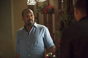 """The Flash -- """"Running to Stand Still"""" -- Image: FLA209b_0173b.jpg -- Pictured: Jesse L. Martin as Detective Joe West -- Photo: Katie Yu/The CW -- © 2015 The CW Network, LLC. All rights reserved."""