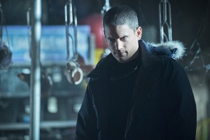"""The Flash -- """"Running to Stand Still"""" -- Image: FLA209A_0038b.jpg -- Pictured: Wentworth Miller as Leonard Snart -- Photo: Cate Cameron/The CW -- © 2015 The CW Network, LLC. All rights reserved."""