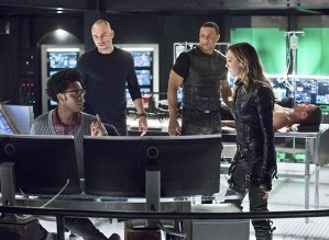 """Arrow -- """"Beacon of Hope"""" -- Image AR417a_0432b.jpg -- Pictured (L-R): Echo Kellum as Curtis Holt, Paul Blackthorne as Detective Quentin Lance, David Ramsey as John Diggle, Katie Cassidy as Laurel Lance and Stephen Amell as Oliver Queen -- Photo: Dean Buscher/The CW -- © 2016 The CW Network, LLC. All Rights Reserved."""