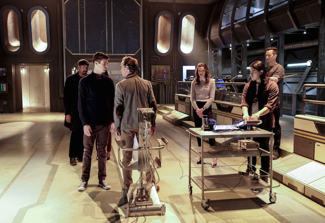 """The Flash -- """"The Wrath of Savitar"""" -- FLA315a_0008b.jpg -- Pictured (L-R): Jesse L. Martin as Detective Joe West, Grant Gustin as Barry Allen, Tom Felton as Julian Albert, Danielle Panabaker as Caitlin Snow, Carlos Valdes as Cisco Ramon and Tom Cavanagh as Harrison Wells -- Photo: Bettina Strauss/The CW -- © 2017 The CW Network, LLC. All rights reserved."""