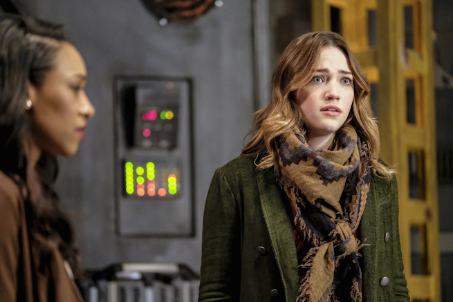 """The Flash -- """"The Wrath of Savitar"""" -- FLA315a_0192b.jpg -- Pictured (L-R): Candice Patton as Iris West and Violett Beane as Jesse Quick -- Photo: Bettina Strauss/ The CW -- © 2017 The CW Network, LLC. All rights reserved."""
