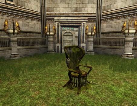 Chaise en osier couverte de mousse