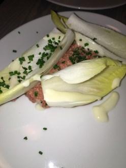 Salade de boeuf cru et endives