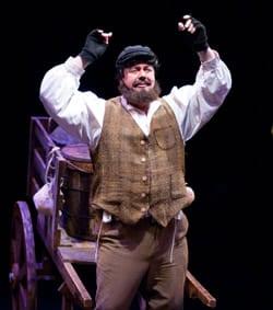 David Bosley-Reynolds as Tevye (Photo: Kirstine Christiansen)
