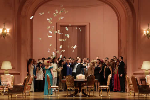 A scene from La Traviata (Photo: Brescia-Amisano/Teatro alla Scala)