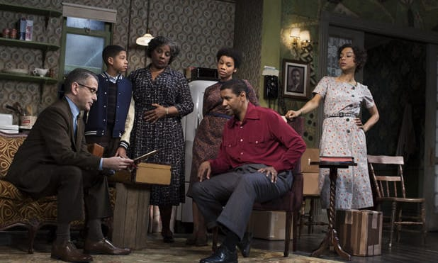 Members of the cast of A Raisin in the Sun (Photo: Brigitte Lacombe)