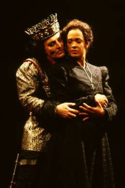 Stacy Keach ad Richard III and Franchelle Stewart Dorn as Queen Elizabeth. (Photo:  Joan Marcus)