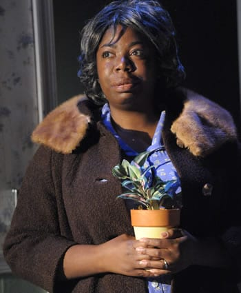 Theresa Cunningham as Mama (Photo: Stan Barouh)