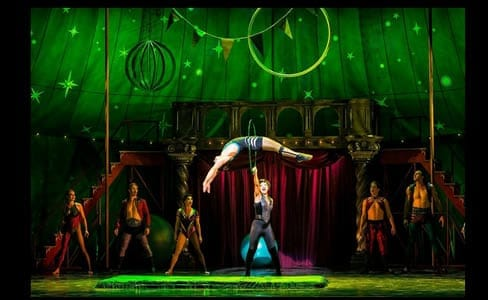 (center) Sasha Allen as Leading Player and the cast of Pippin, national tour (Photo: Terry Shapiro)