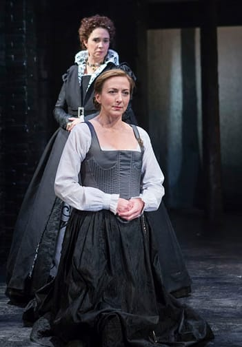 (standing) Holly Twyford as Queen Elizabeth and Kate Eastwood Norris as Mary Stuart, Queen of Scots (Photo: Teresa Wood)